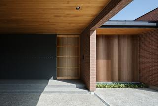 建築家 吉田慎二+杉田陽子 のカバー画像